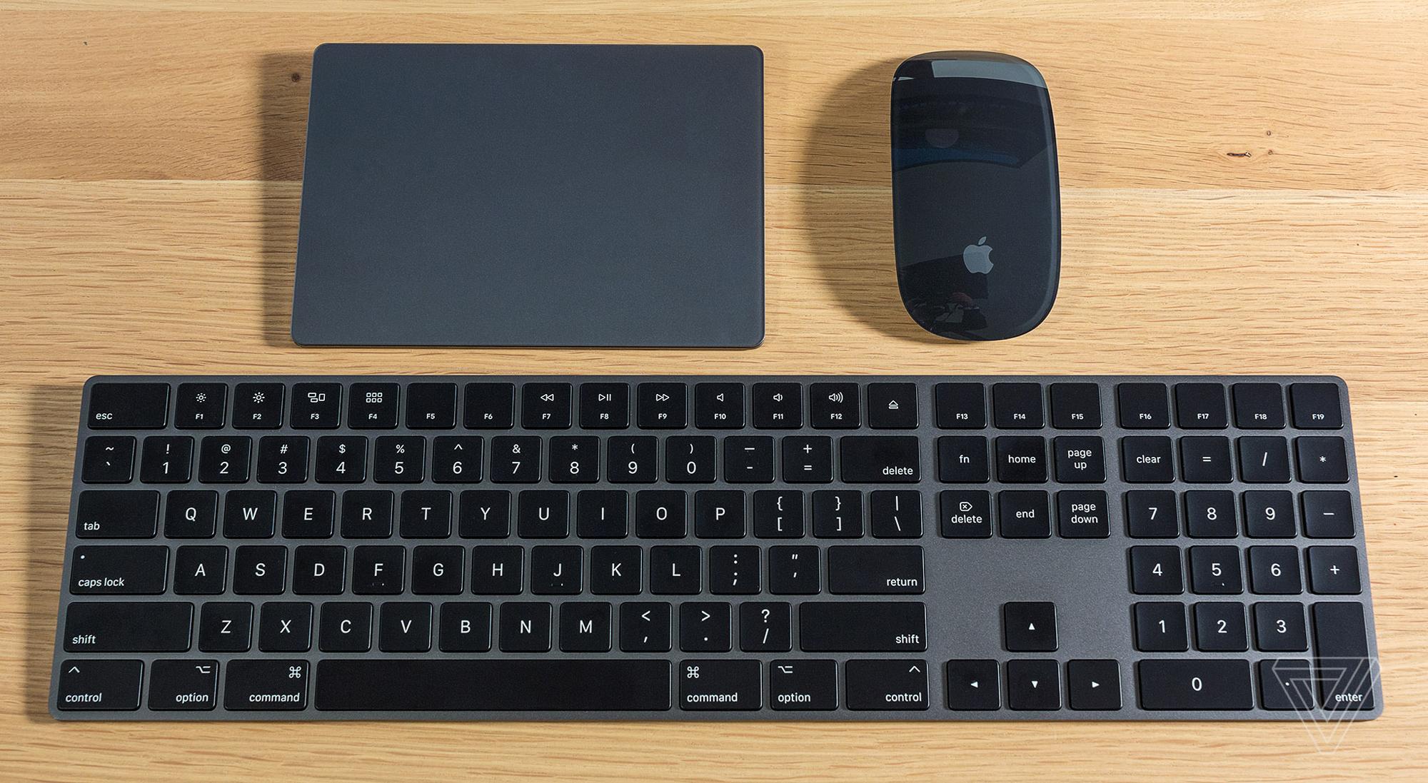 iMac Pro klavye ve mouse