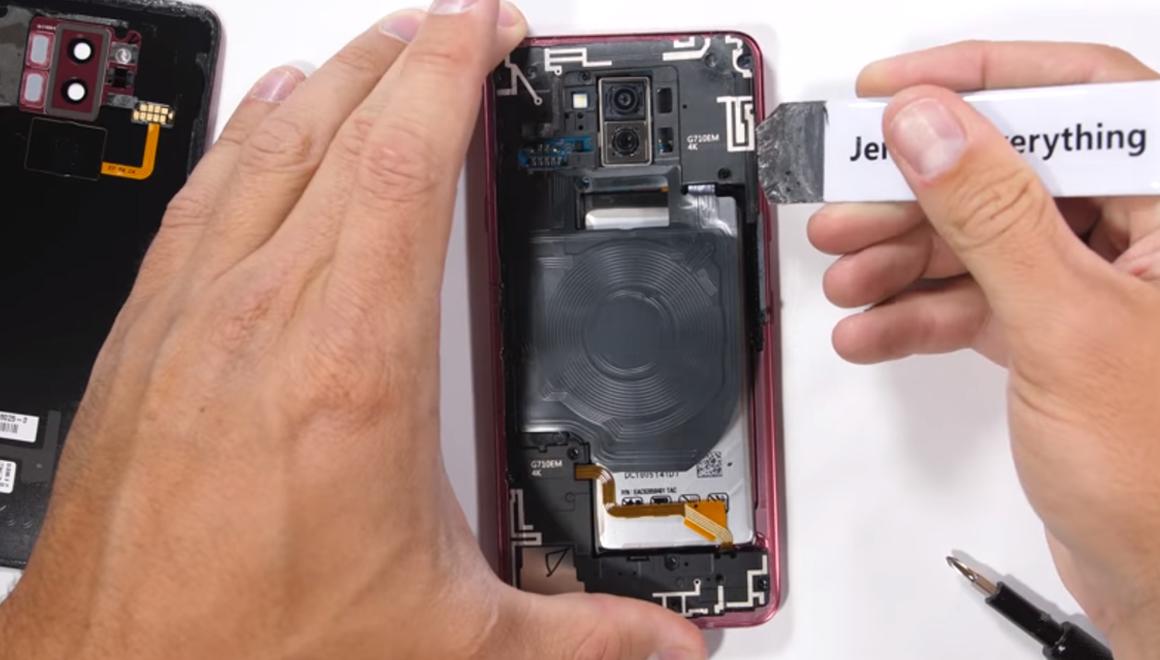 LG G7 ThinQ parçalarına ayrıldı