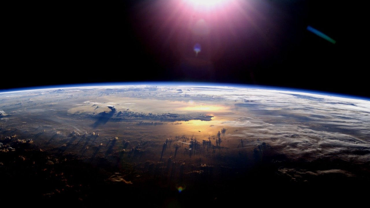 What will happen to our planet if the earth does not rotate? 3